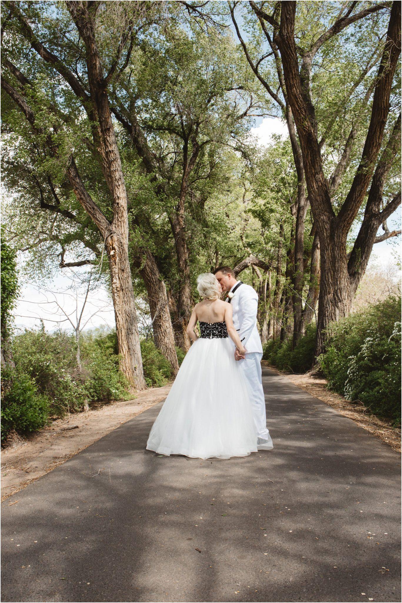 0020albuquerque-wedding-photographer_santa-fe-wedding-photographer_-southwest-wedding-photography_-blue-rose-studio0000