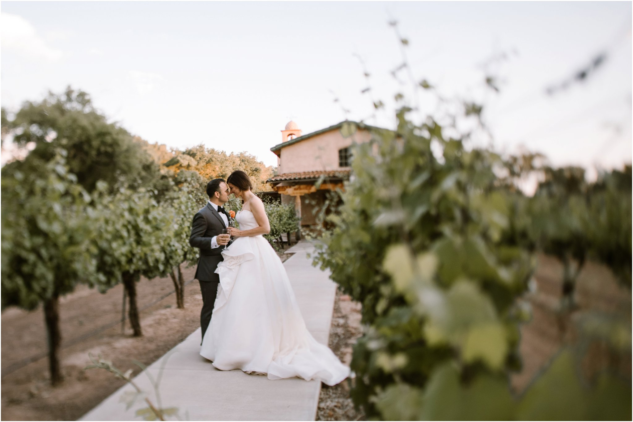 0233Casa Rodena Winery Wedding, Inn and Spa at Loretto wedding, Santa Fe wedding photographers, blue rose photography