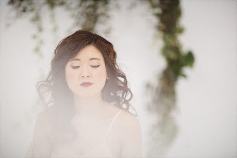 032Vintage-Bride_-Lace-Bridal_Blue-Rose-Studio_Albuquerque-Wedding-Photography