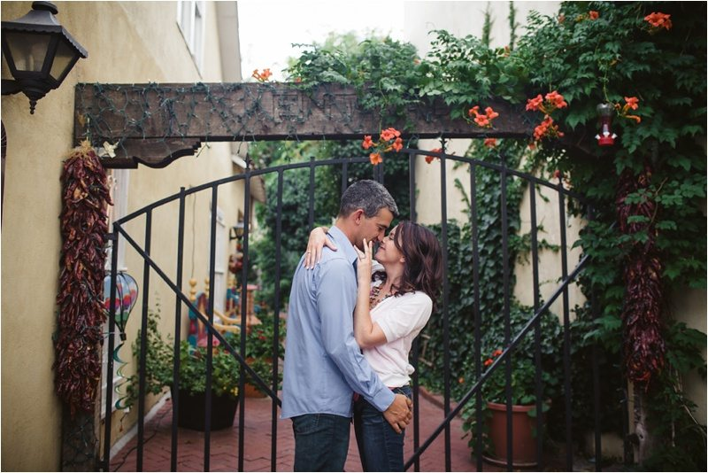 26Blue-Rose-Phtography_Old-Town_Engagement-Pictures_Family-Pictures