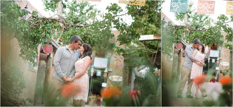38Blue-Rose-Phtography_Old-Town_Engagement-Pictures_Family-Pictures