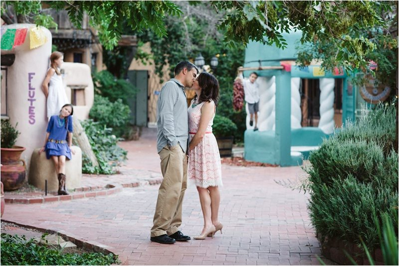 42Blue-Rose-Phtography_Old-Town_Engagement-Pictures_Family-Pictures