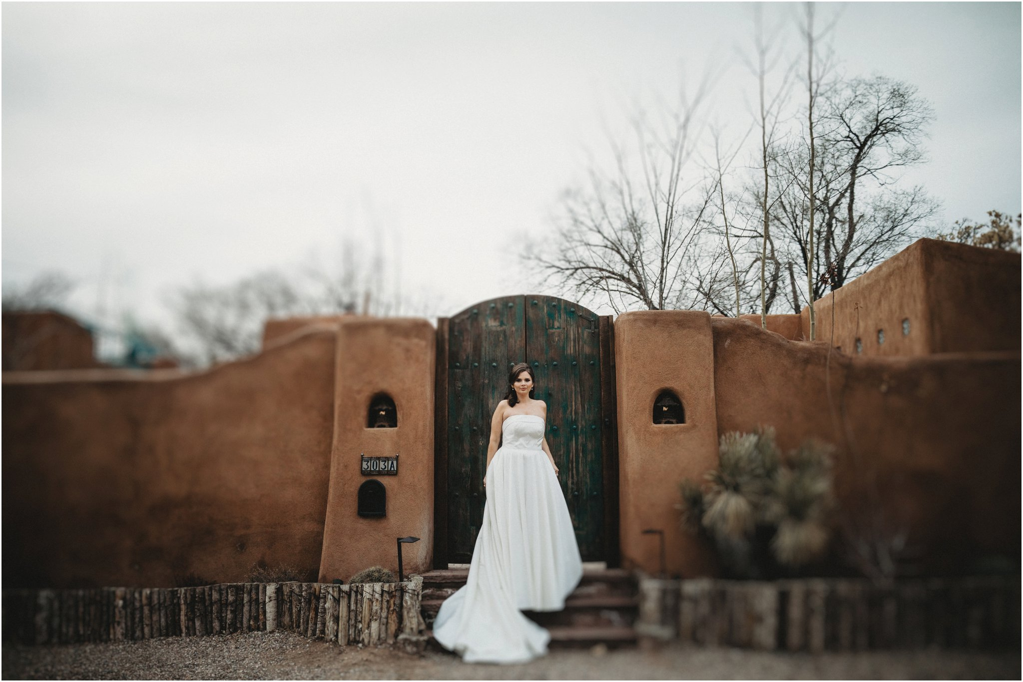 0017Santa_Fe_Wedding_Photographer_Loretto_Chapel_Weddings_Blue_Rose_Photography