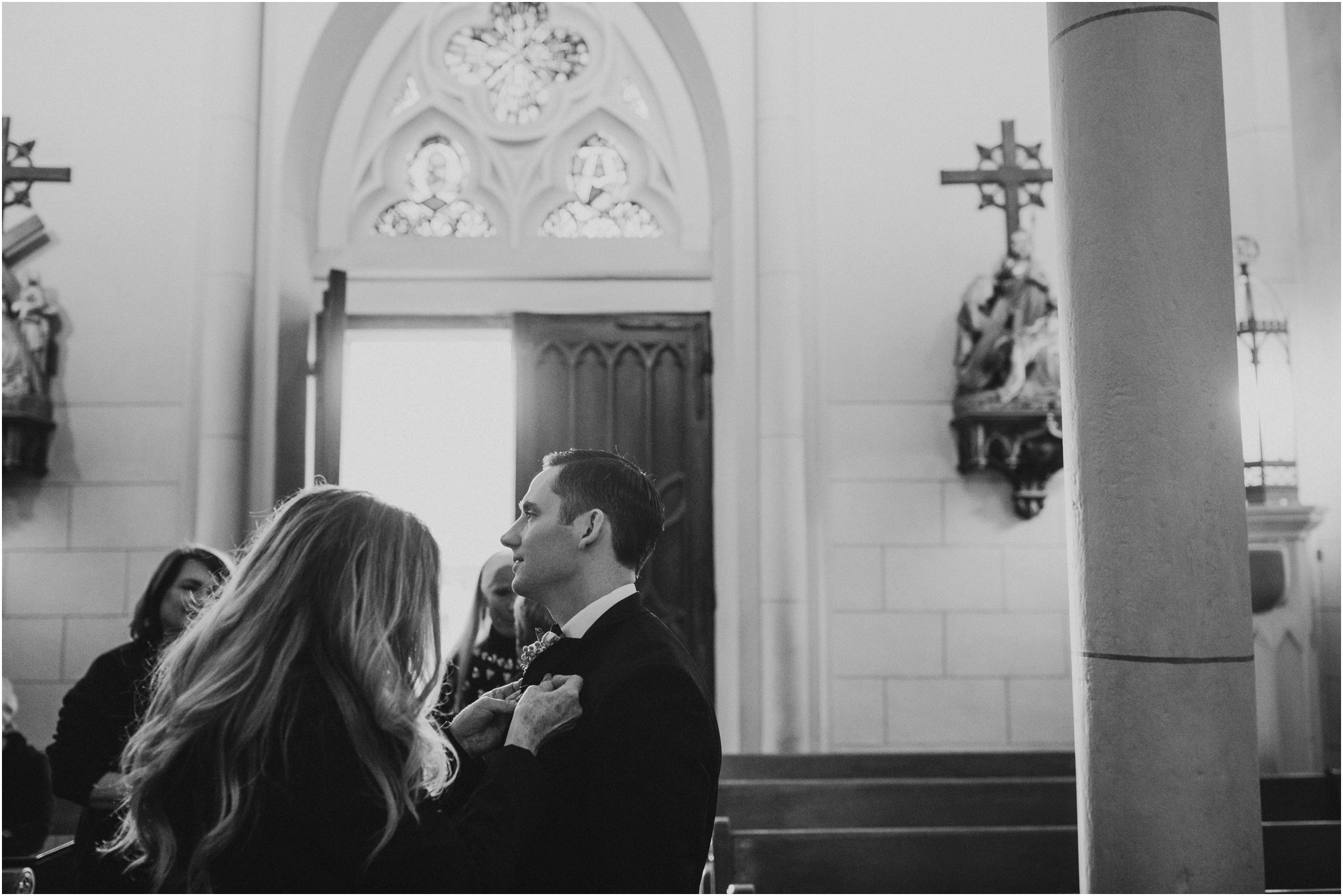 0021Santa_Fe_Wedding_Photographer_Loretto_Chapel_Weddings_Blue_Rose_Photography
