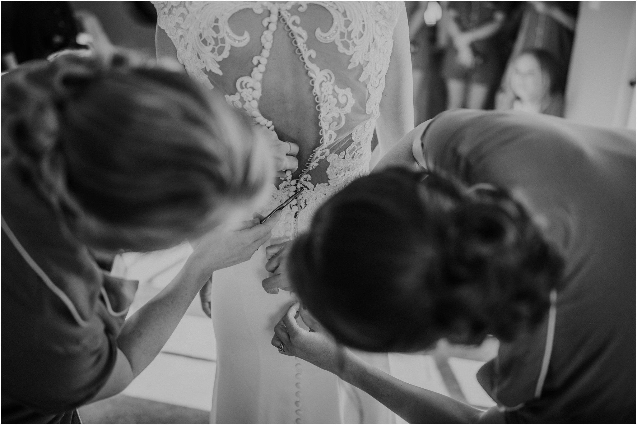 0883Loretto Chapel Wedding, Inn and Spa at Loretto wedding, Santa Fe wedding photographers, blue rose photography