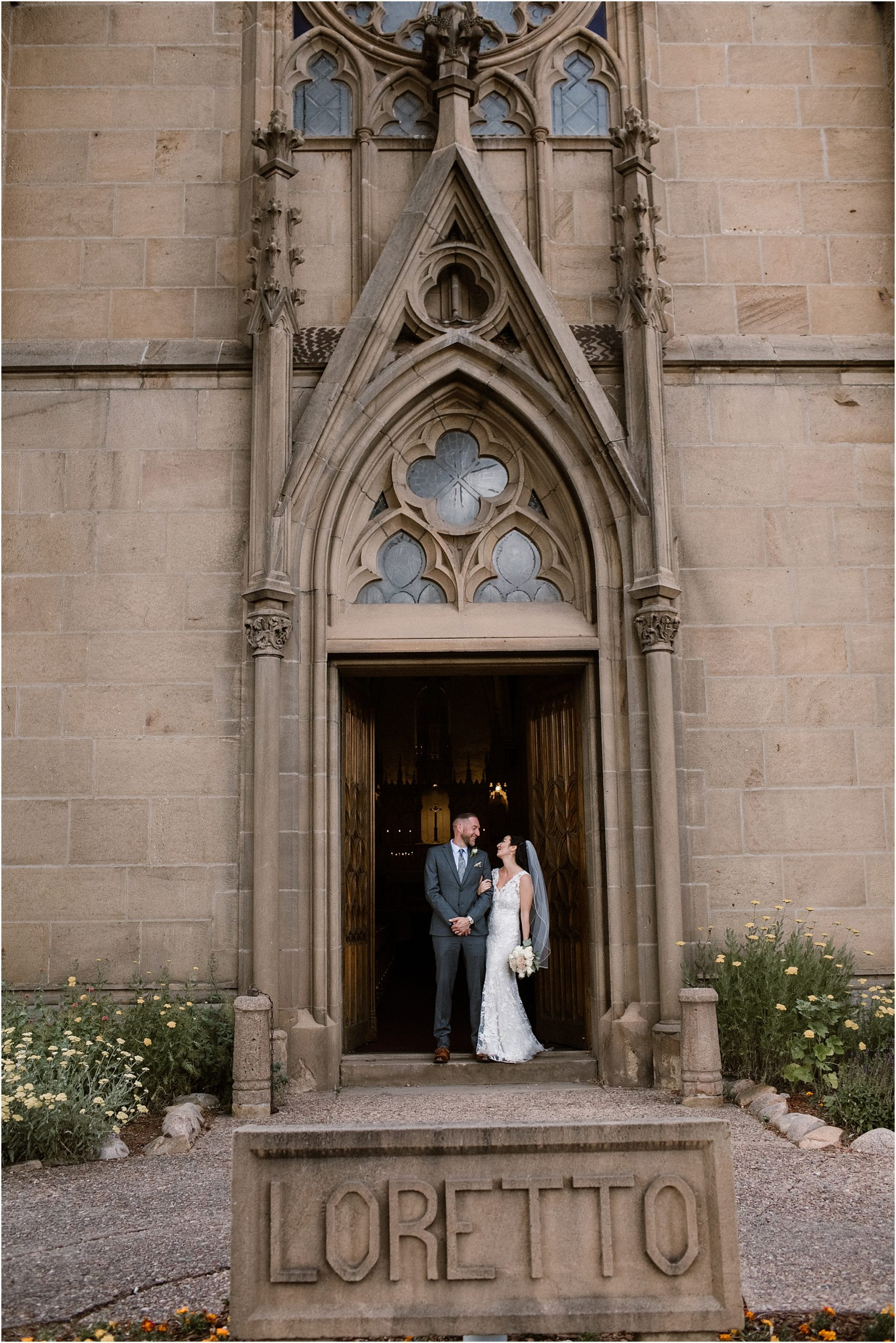 BlueRosePhotography_LaurenandCharles_LorettoChapel17